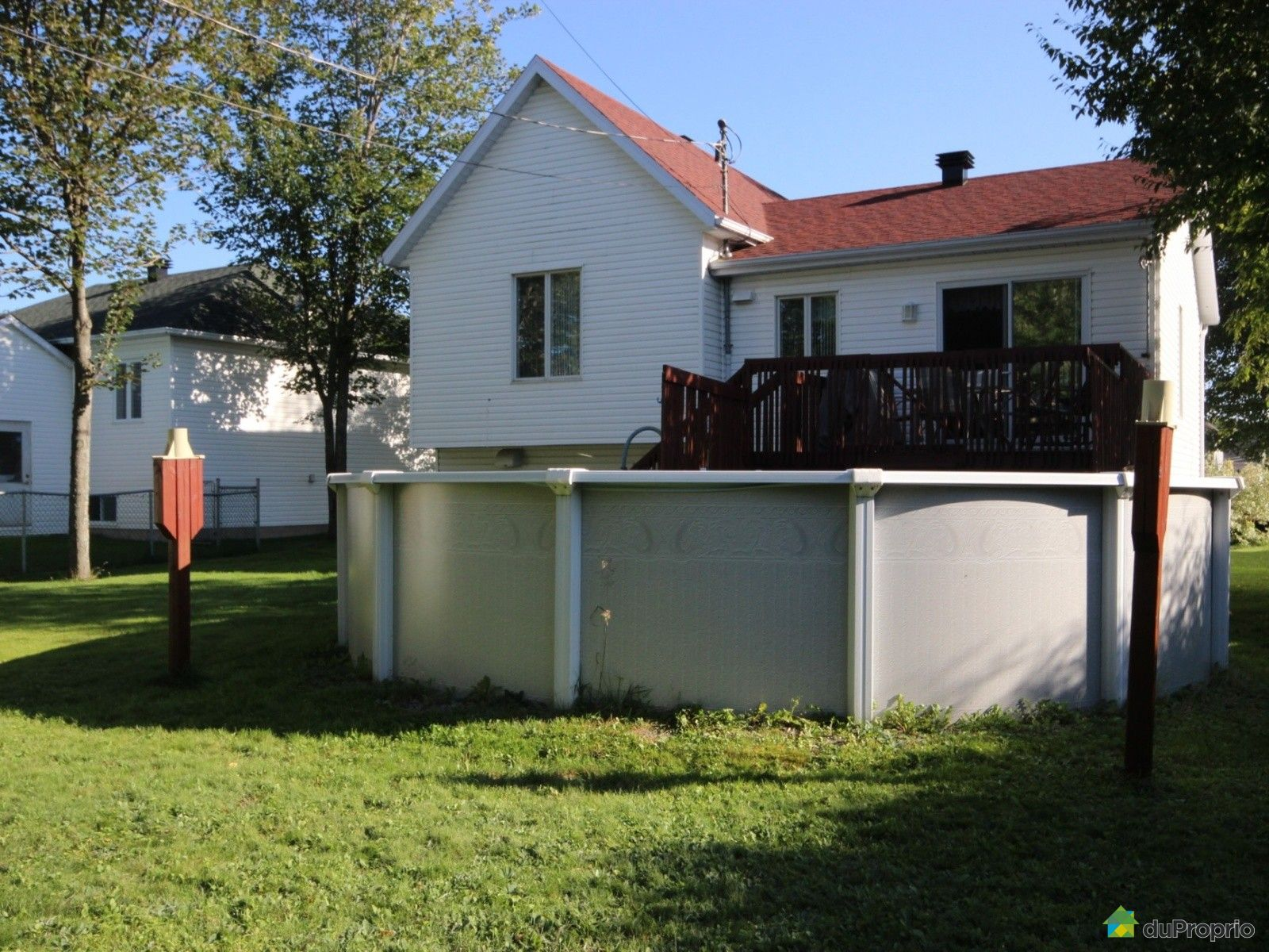 Maison vendu breakeyville immobilier qu bec duproprio for Club piscine cabanon