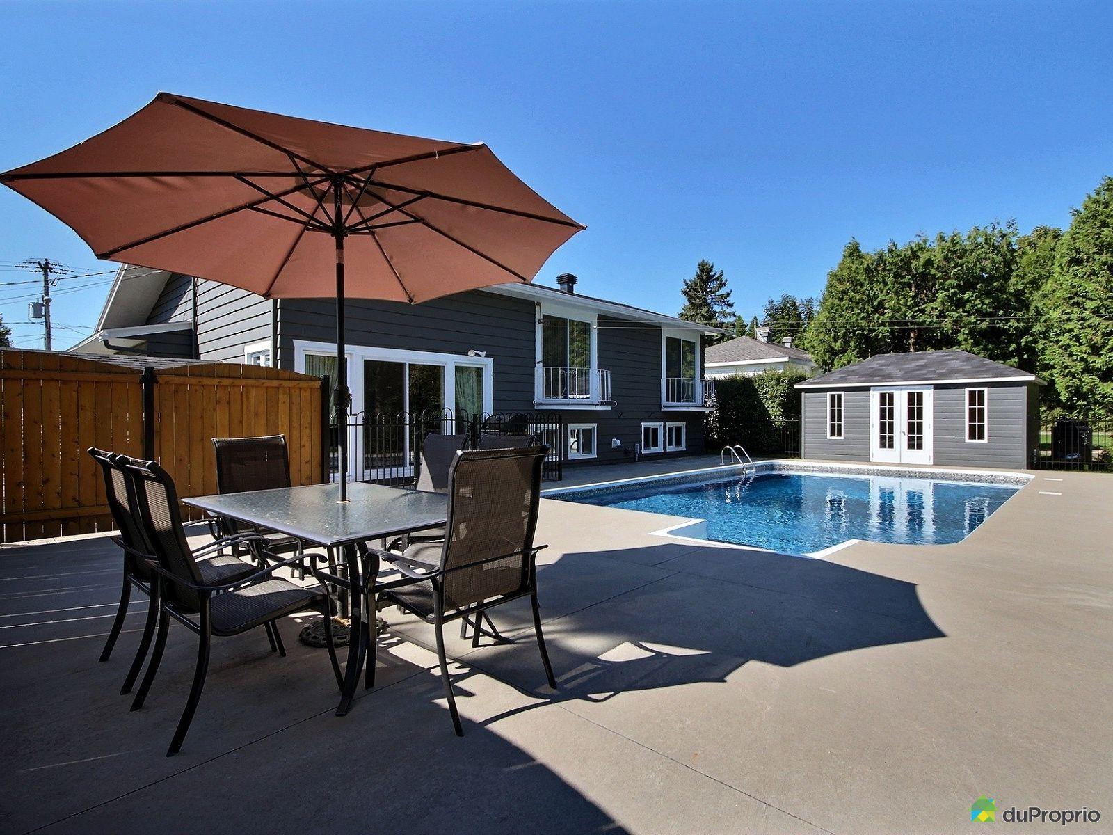 Maison vendre clermont 43 rue du parc immobilier for Balayeuse piscine creusee