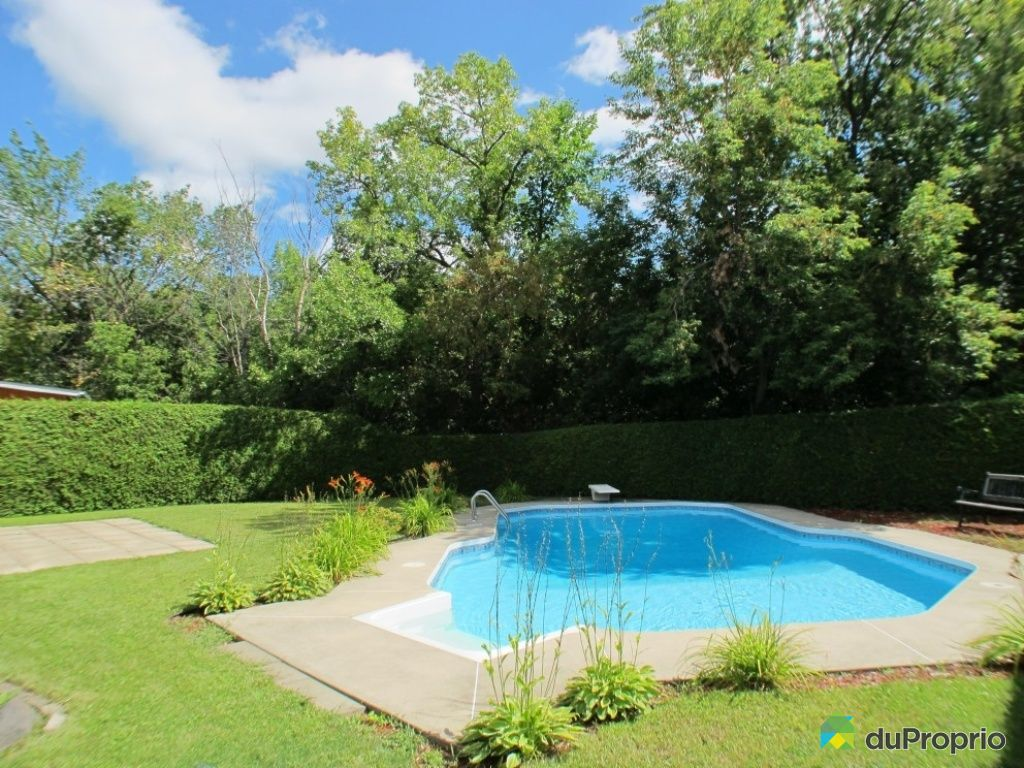 Maison vendre st eustache 36 boulevard pie xii for Balayeuse piscine creusee