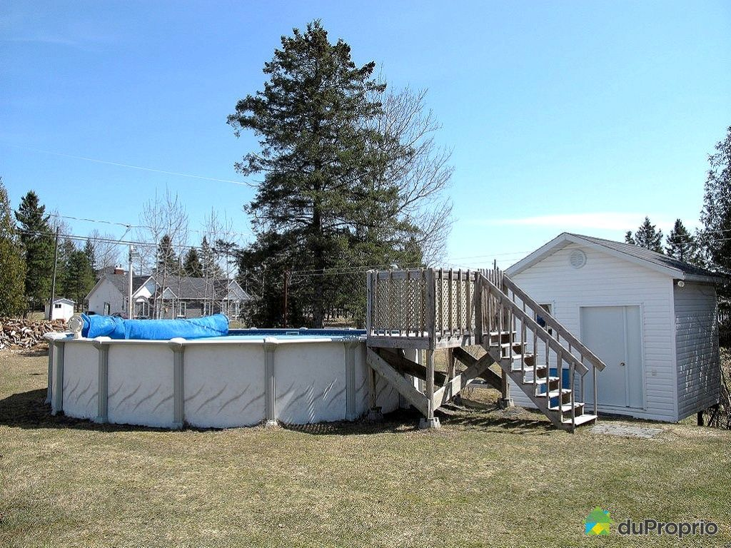 Maison vendre st georges 2720 rue 207e immobilier for Piscine radiant quebec