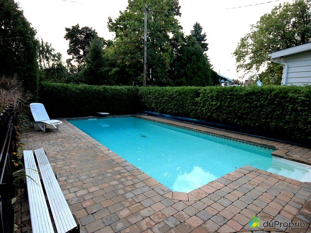 Maison vendu boucherville immobilier qu bec duproprio for Balayeuse piscine creusee
