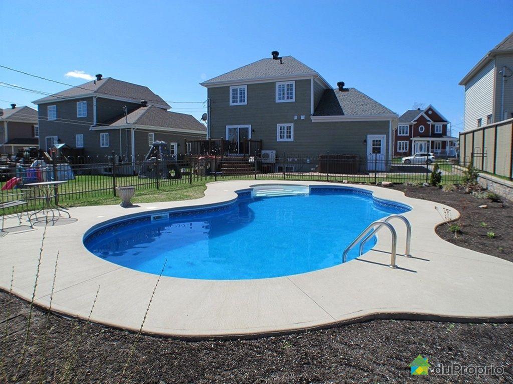 Maison vendre charlesbourg 1047 avenue des diamants for Arpidrome charlesbourg piscine