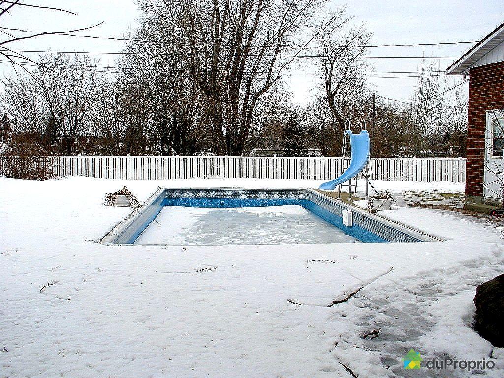 Maison vendre mercier 2 rue saint g rard immobilier for Balayeuse piscine creusee