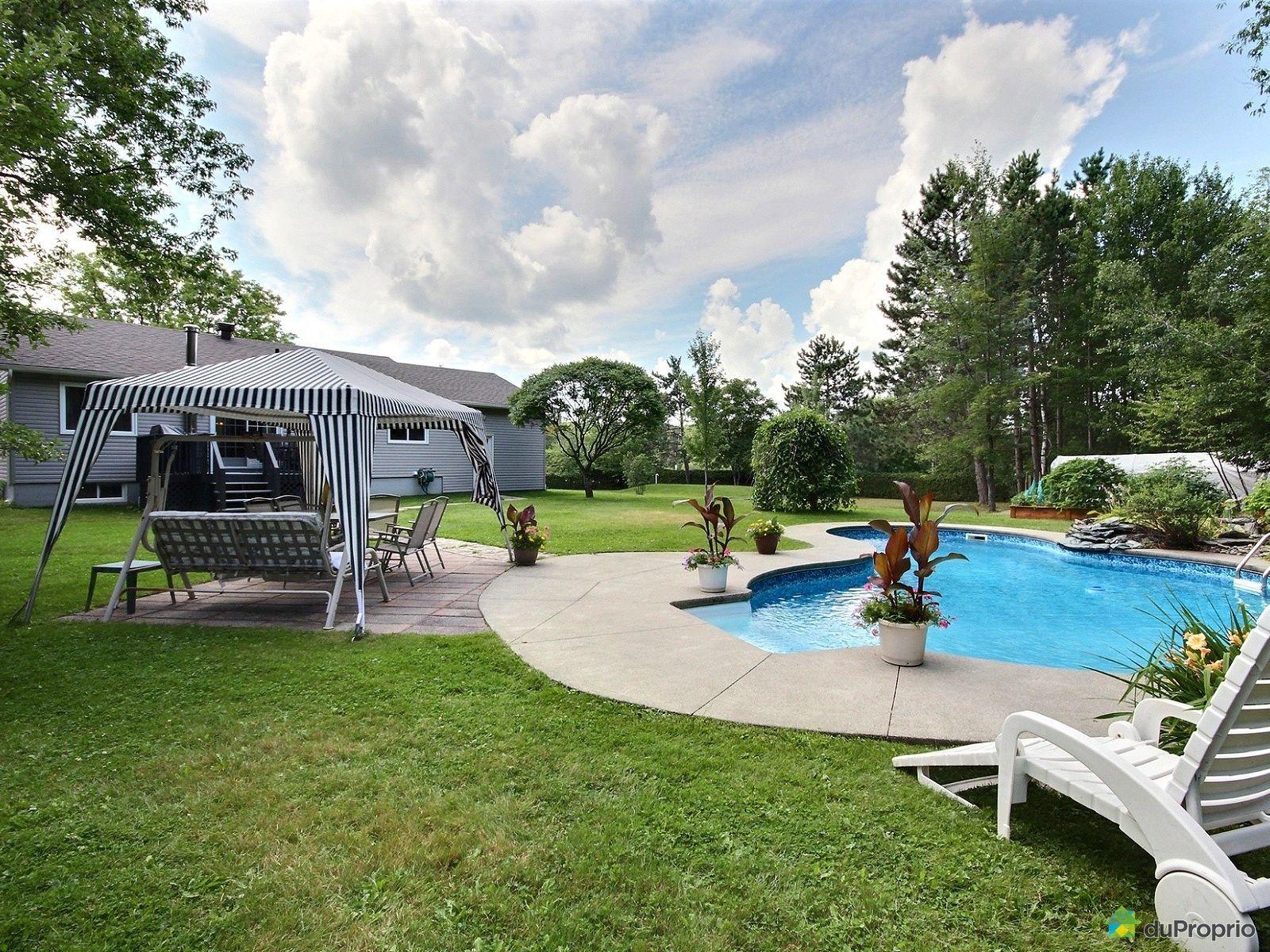 Maison vendre sherbrooke 6211 chemin de sainte for Piscine universite sherbrooke