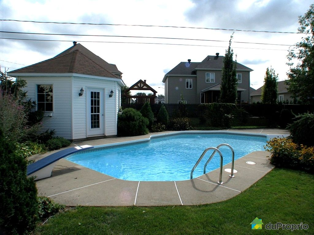 Maison vendu st hyacinthe immobilier qu bec duproprio for Balayeuse piscine creusee