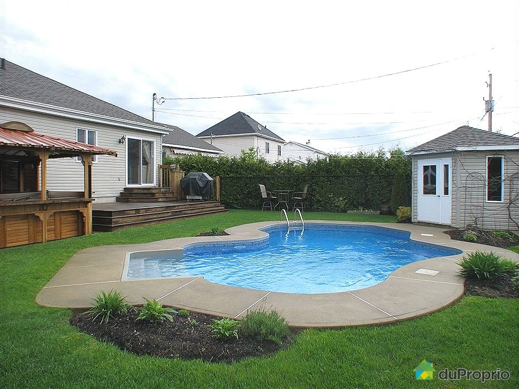 Maison vendu st luc immobilier qu bec duproprio 256531 for Balayeuse piscine creusee