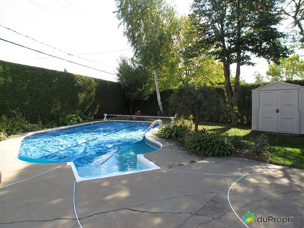 Maison vendu ste julie immobilier qu bec duproprio 365151 for Balayeuse piscine creusee
