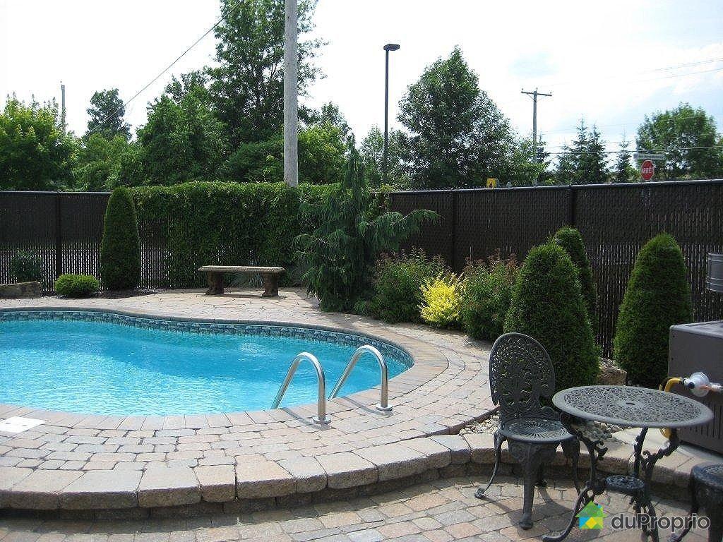 Maison vendu ste marthe sur le lac immobilier qu bec for Balayeuse piscine