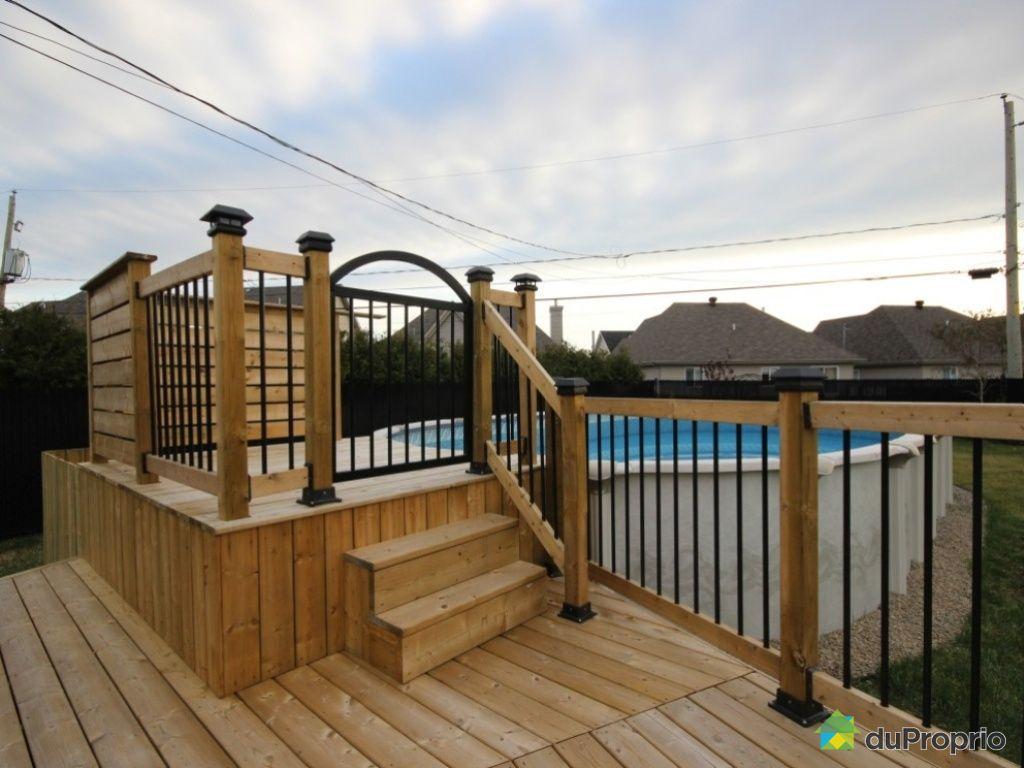 Terrasse pour piscine hors terre for Porte de piscine