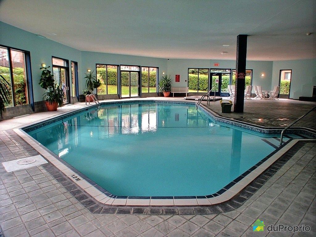 Maison avec piscine interieure a vendre quebec for Piscine quebec