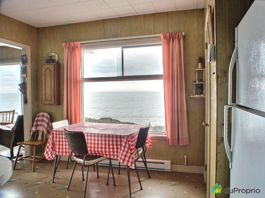 chalet vendre le bic 110 112 route bernier immobilier qu bec duproprio 279817. Black Bedroom Furniture Sets. Home Design Ideas