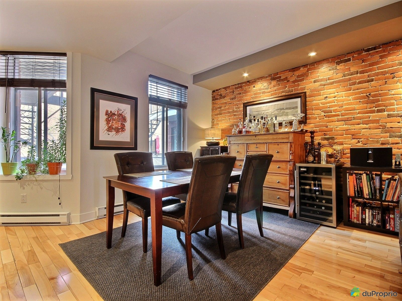 Condo vendre montr al 582 rue dufresne immobilier for Salle a manger a montreal