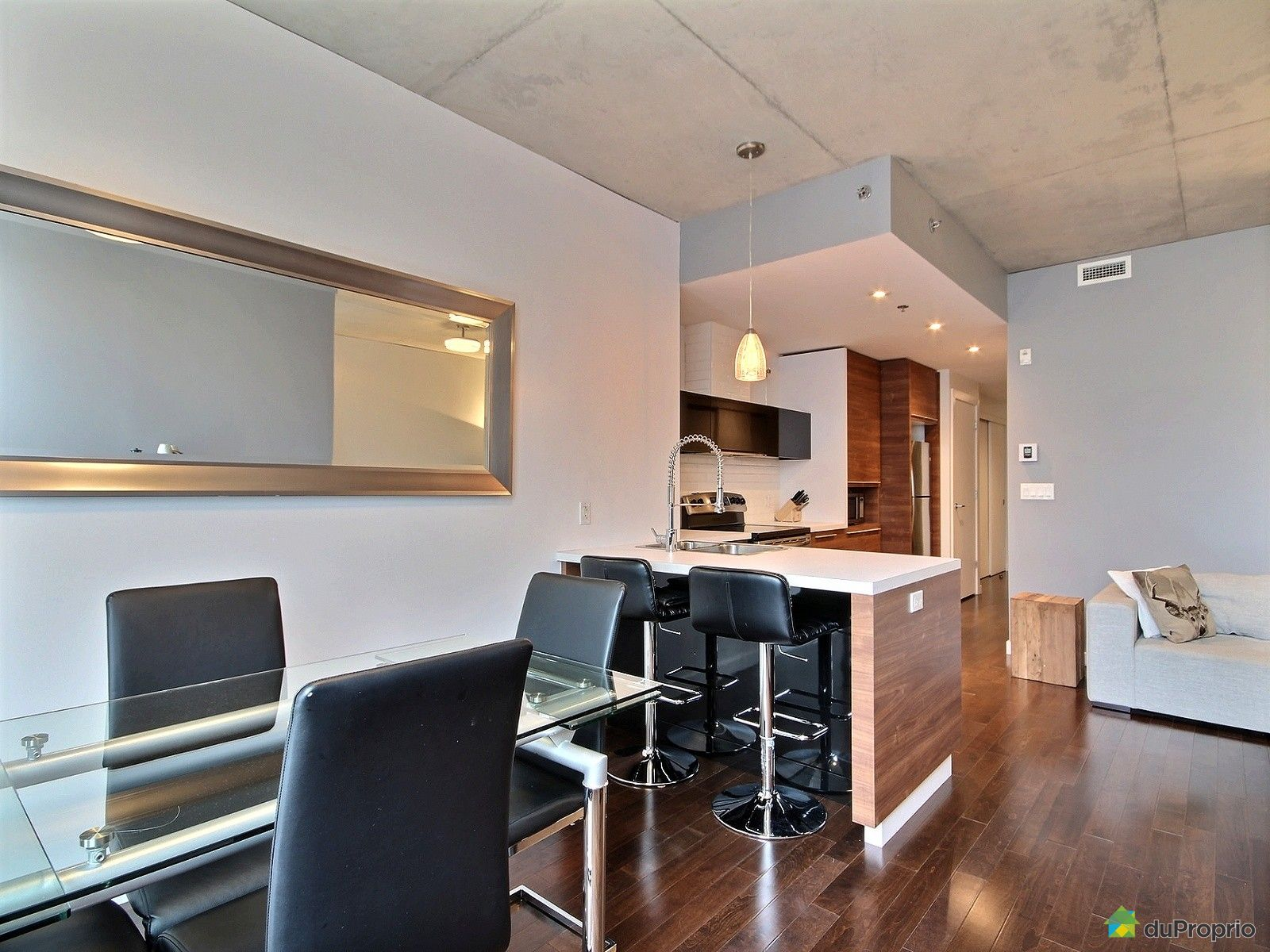 Condo vendre montr al 502 90 rue prince immobilier for Salle a manger a montreal