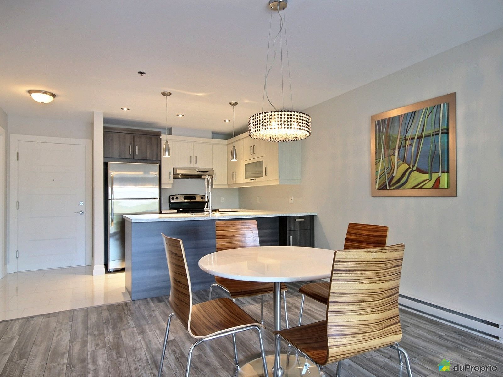 Condo neuf vendre trois rivi res 3 1920 rue charles le for Salle a manger 1920