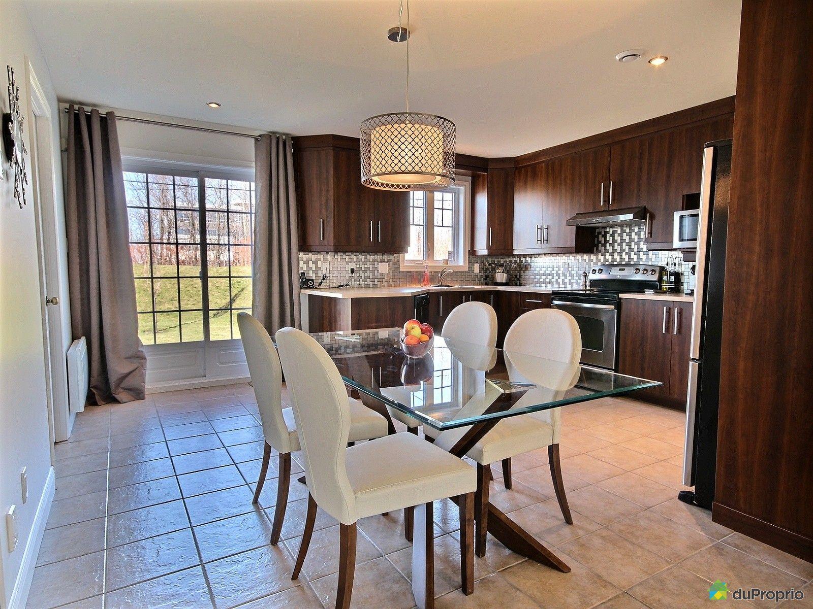 Jumel vendre l vis 6745 rue alfred pellan immobilier for Salle a manger levi