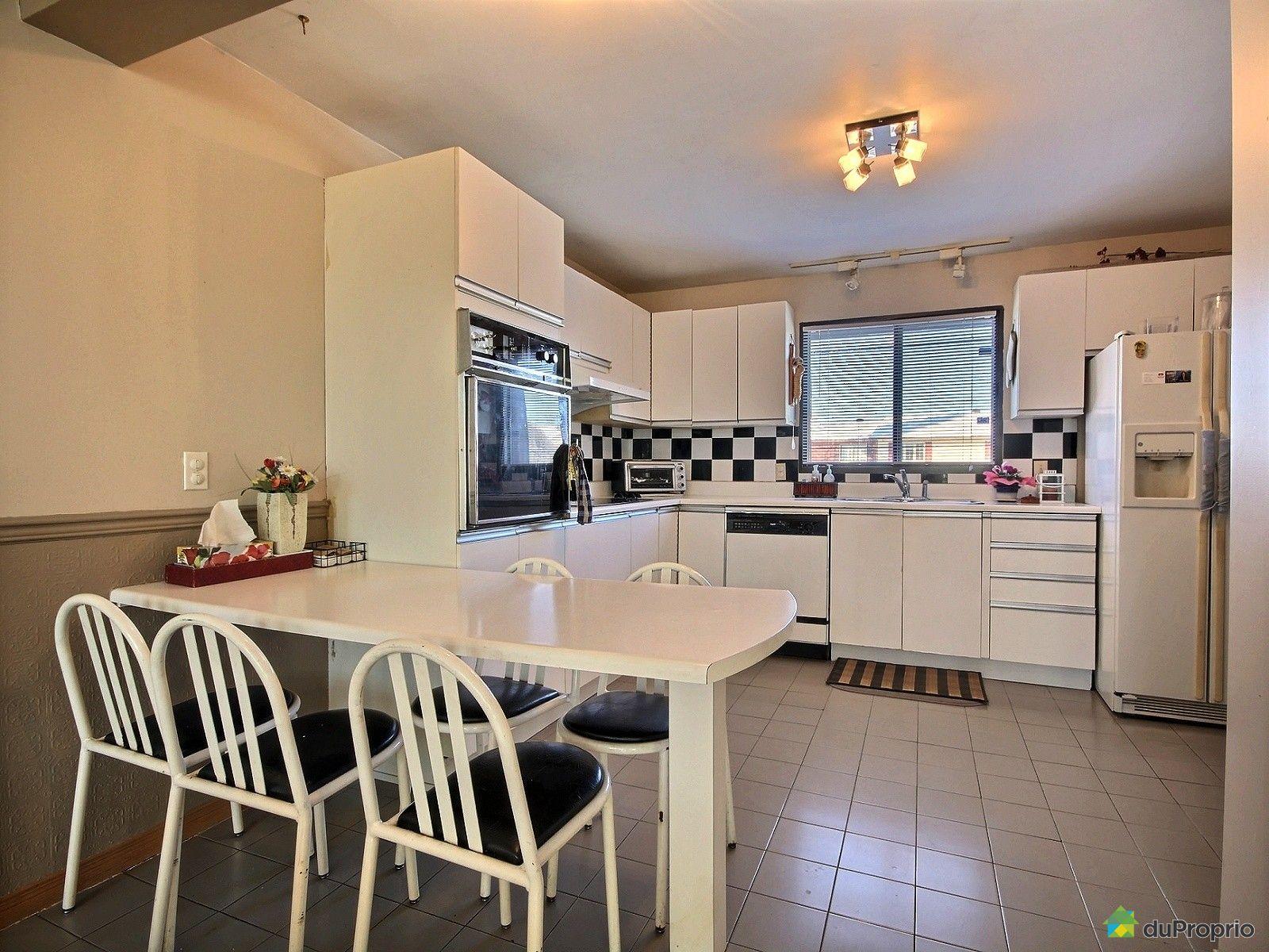 Jumel vendu montr al immobilier qu bec duproprio 575499 for Ares cuisine pointe claire