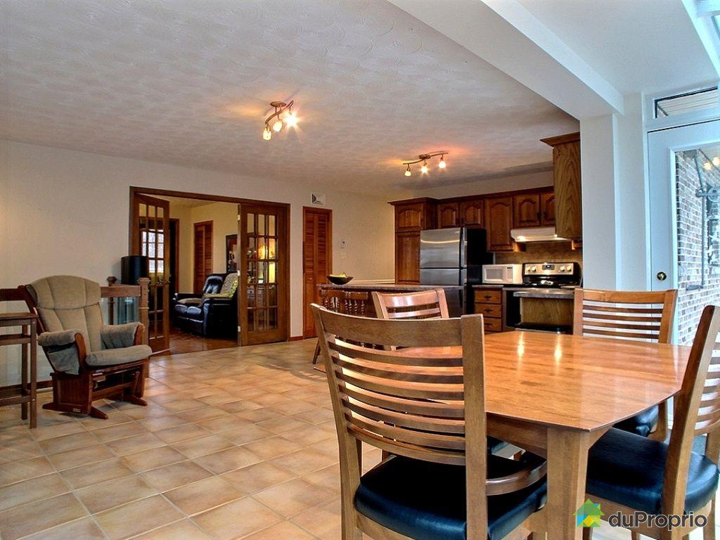Maison vendu granby immobilier qu bec duproprio 411136 for Salle a manger a vendre