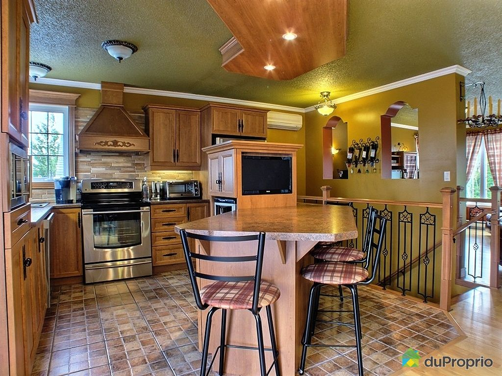 maison vendu la guadeloupe immobilier qu bec duproprio 433068. Black Bedroom Furniture Sets. Home Design Ideas