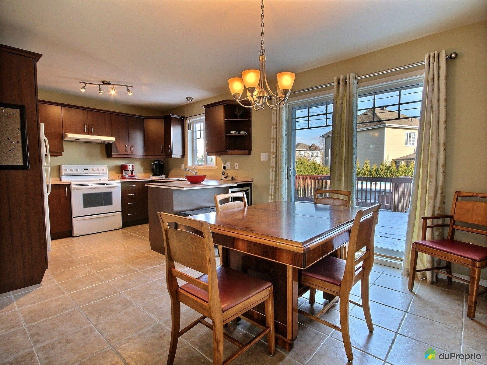 Maison vendu l vis immobilier qu bec duproprio 562455 for Salle a manger levi