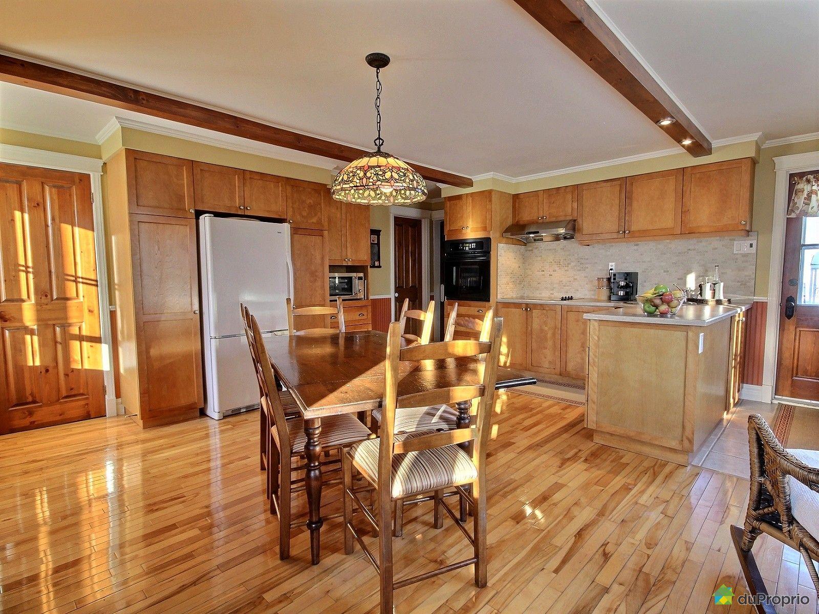 Maison vendre l vis 514 rue saint joseph immobilier for Salle a manger levi