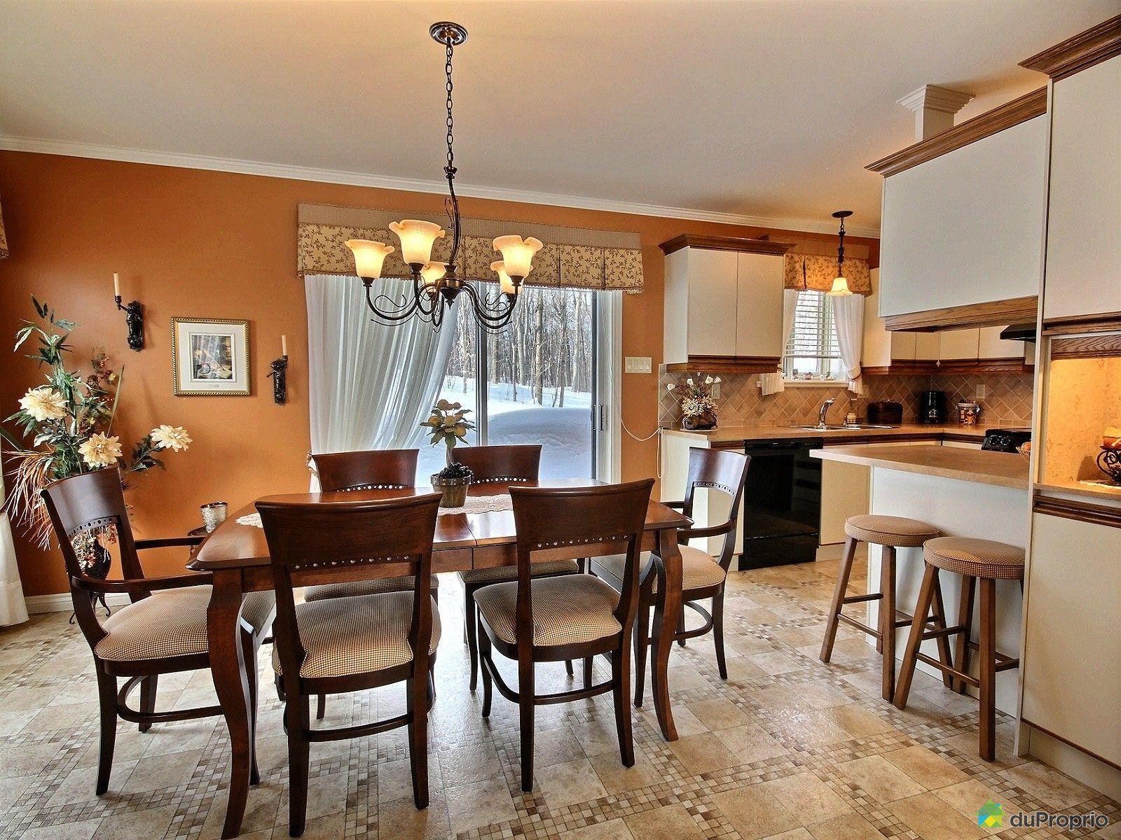 Maison vendu l vis immobilier qu bec duproprio 580130 for Salle a manger levi