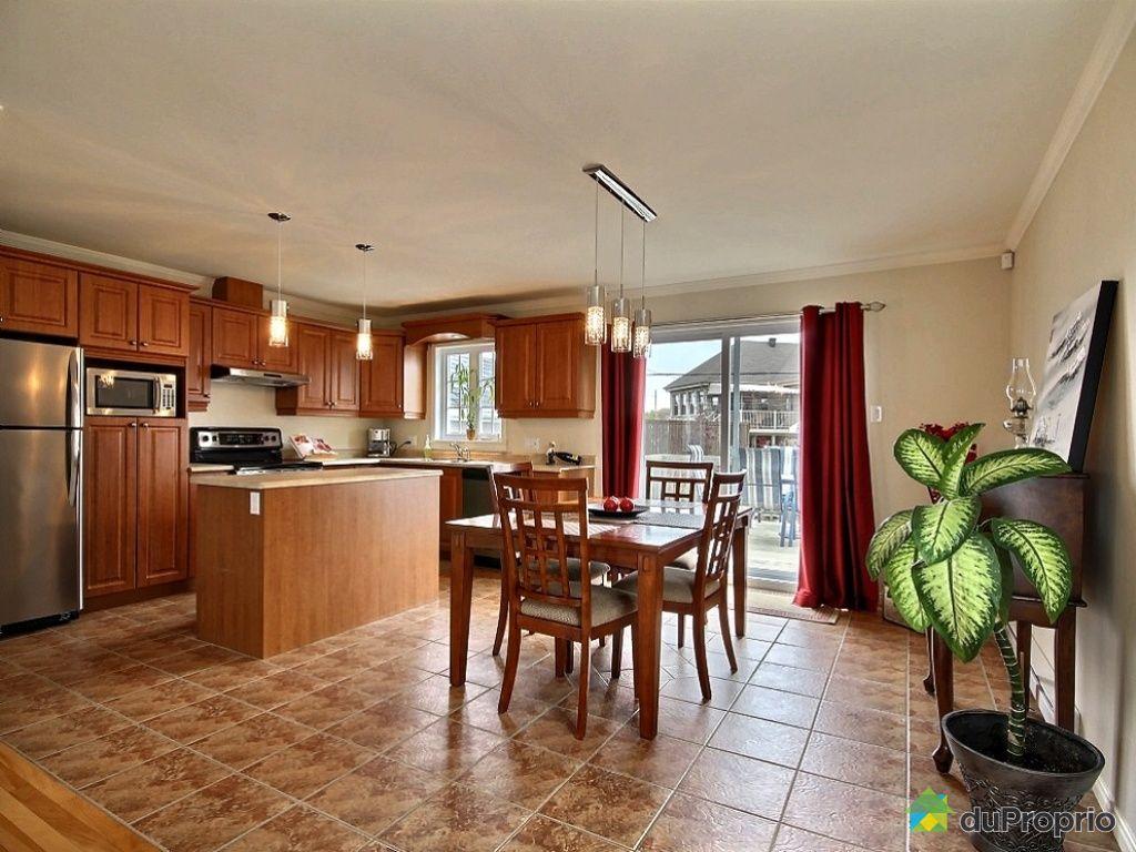 Maison vendu l vis immobilier qu bec duproprio 466770 for Salle a manger levi