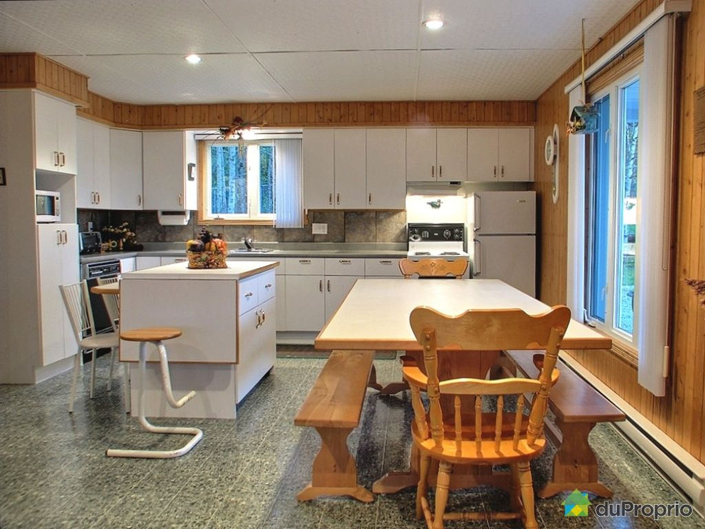 Maison vendu l 39 isle verte immobilier qu bec duproprio for Salle a manger verte