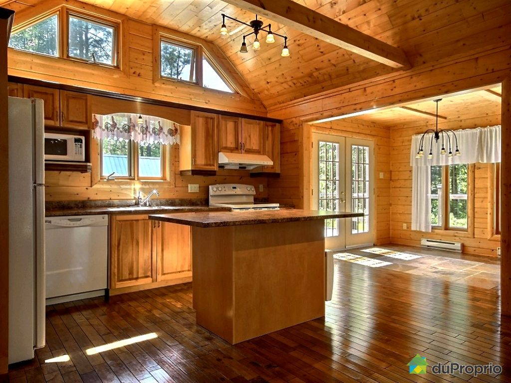 Interieur maison en bois cuisine for Deco cuisine quebec qc
