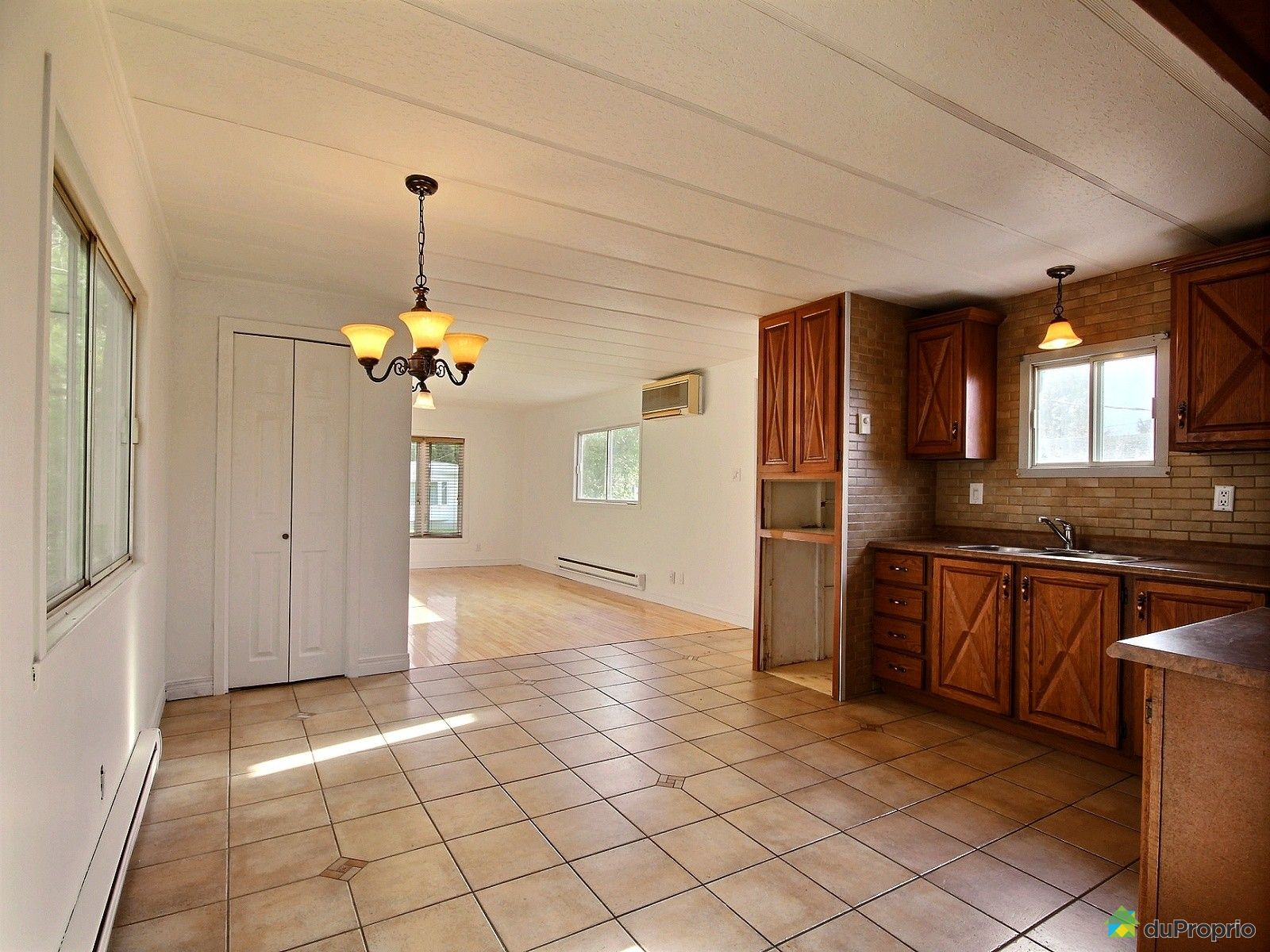maison vendre beauport 181 rue germaine viger immobilier qu bec duproprio 660996. Black Bedroom Furniture Sets. Home Design Ideas