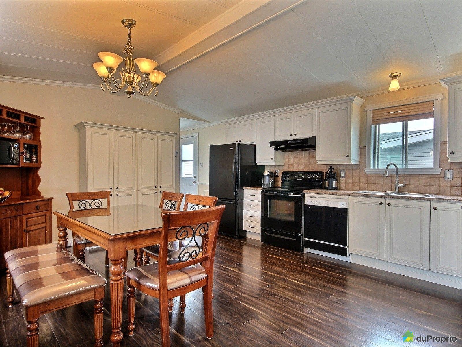 maison vendu lac st charles immobilier qu bec duproprio 619667. Black Bedroom Furniture Sets. Home Design Ideas