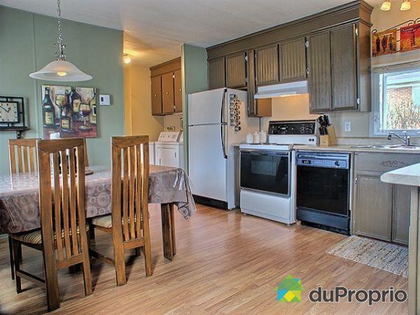 maison vendu l 39 ancienne lorette immobilier qu bec duproprio 103061. Black Bedroom Furniture Sets. Home Design Ideas