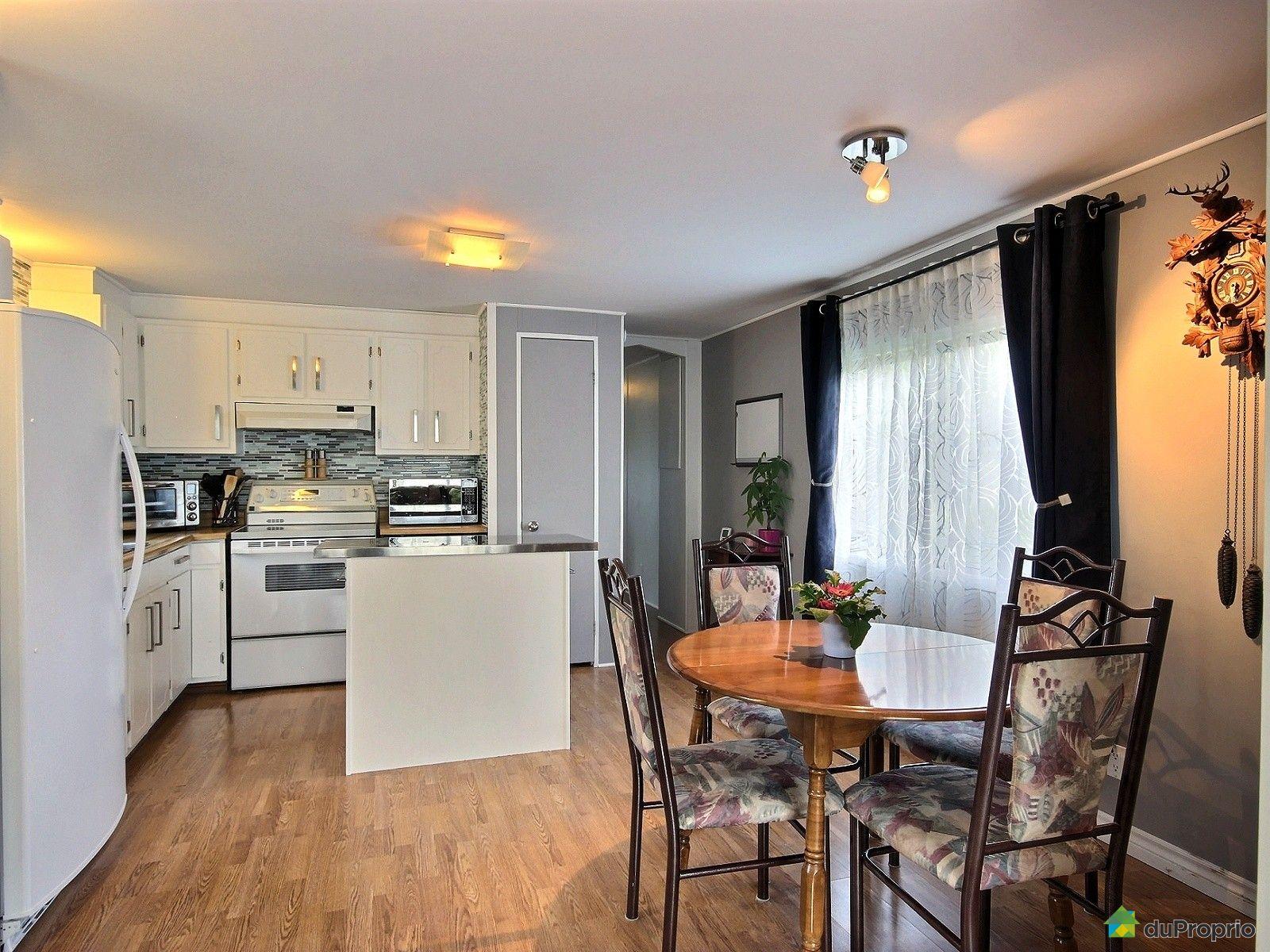 Maison vendu l vis immobilier qu bec duproprio 564420 for Salle a manger levi
