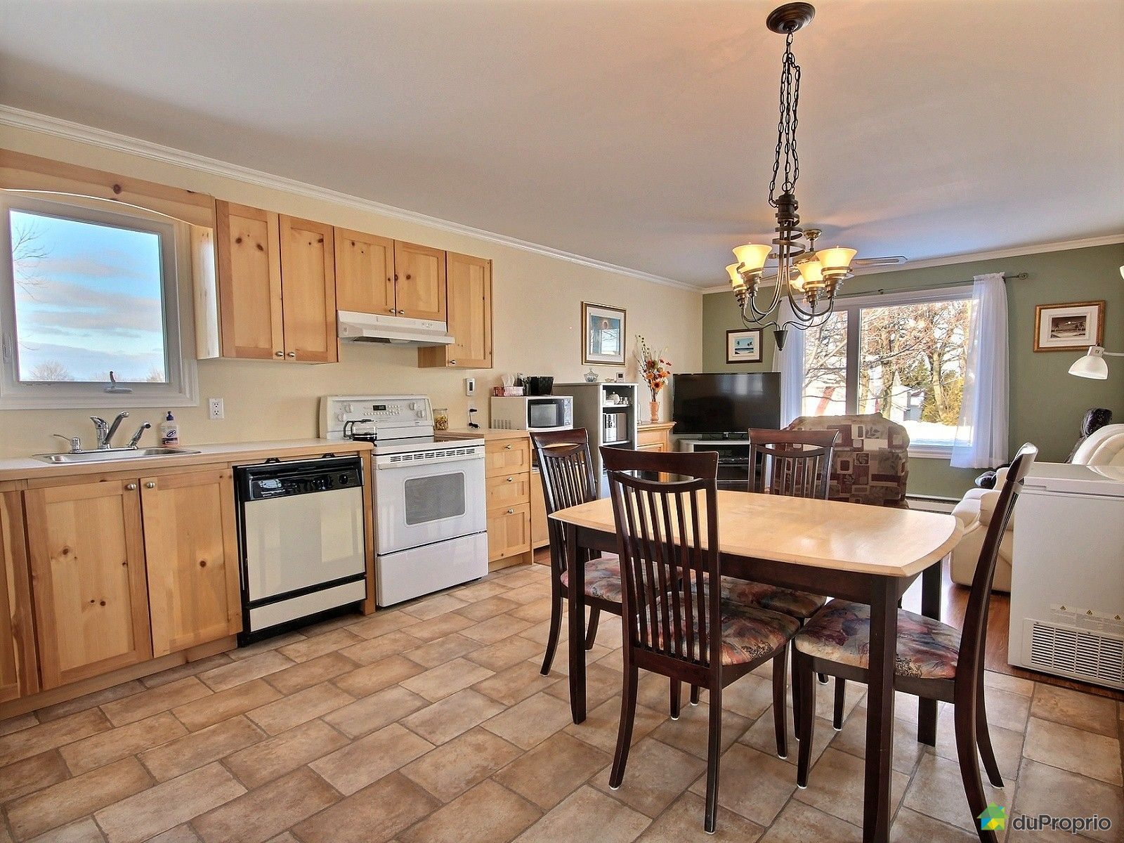 maison vendu l vis immobilier qu bec duproprio 688800. Black Bedroom Furniture Sets. Home Design Ideas