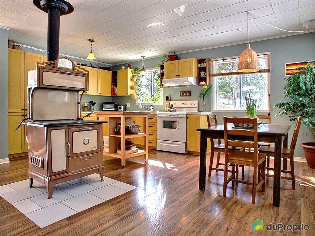 maison vendu pont rouge immobilier qu bec duproprio 403945. Black Bedroom Furniture Sets. Home Design Ideas