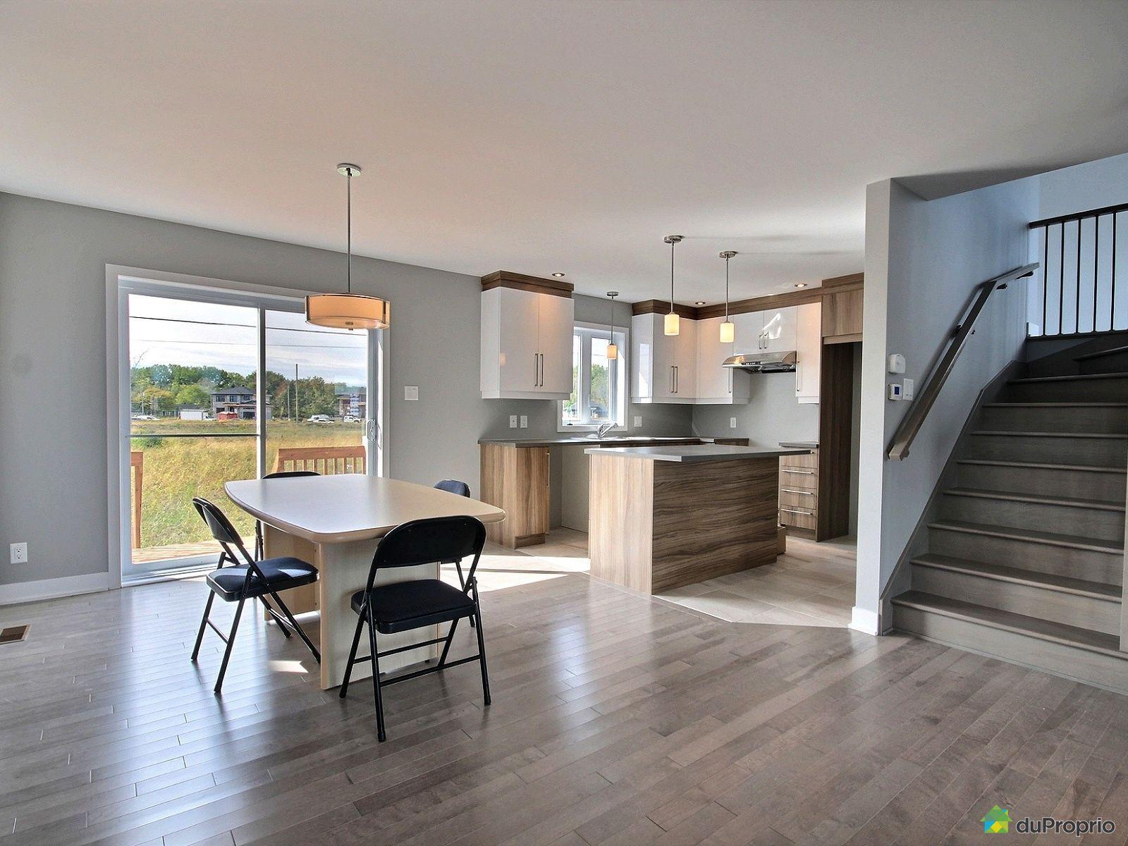 maison neuve vendre chambly 1645 bernadette laflamme immobilier qu bec duproprio 720139. Black Bedroom Furniture Sets. Home Design Ideas
