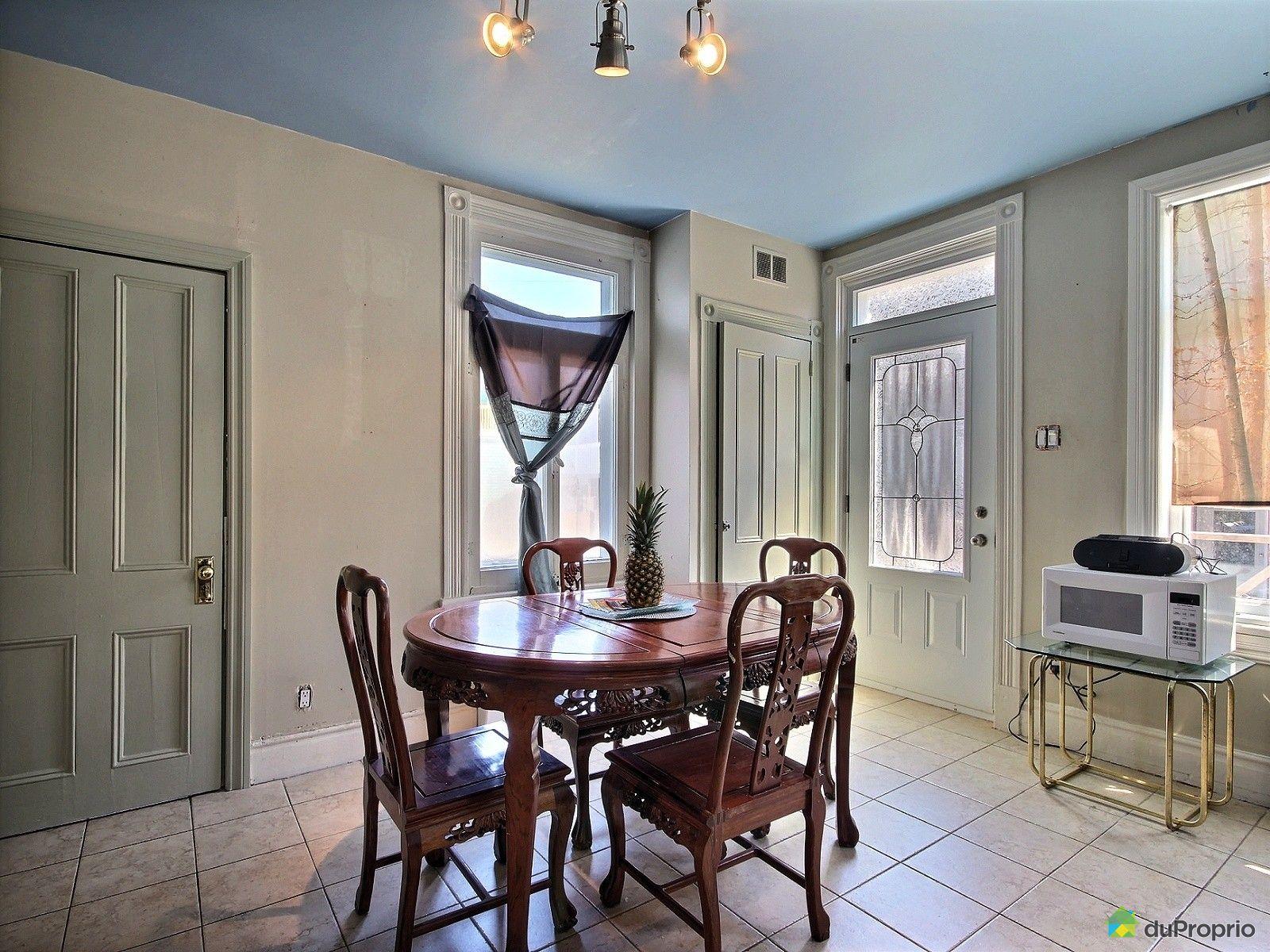 Duplex vendre l vis 2 rue des laurentides immobilier for Salle a manger levi