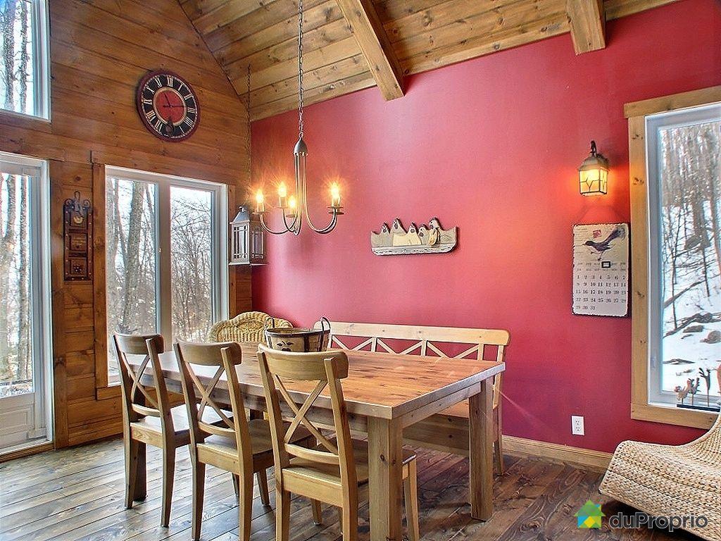 Maison vendu ste agathe des monts immobilier qu bec for Salle a manger antique quebec