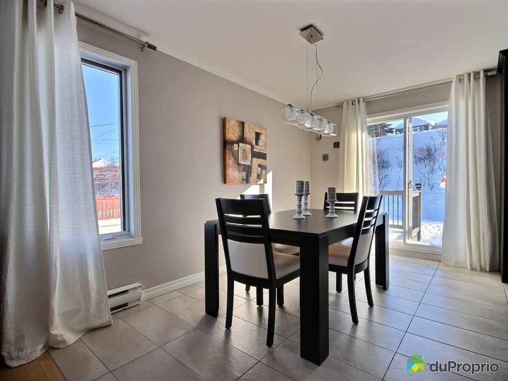 Maison vendre l vis 8412 rue des outardes immobilier for Salle a manger levi