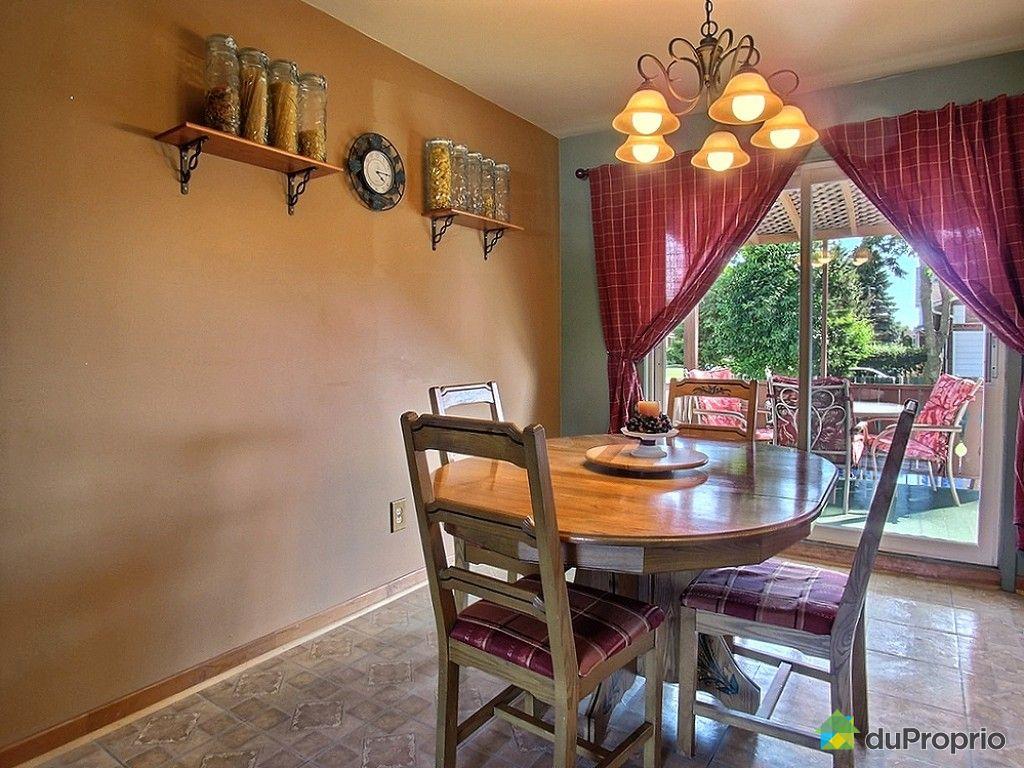 Maison vendu st hubert immobilier qu bec duproprio 533414 for Salle a manger a vendre