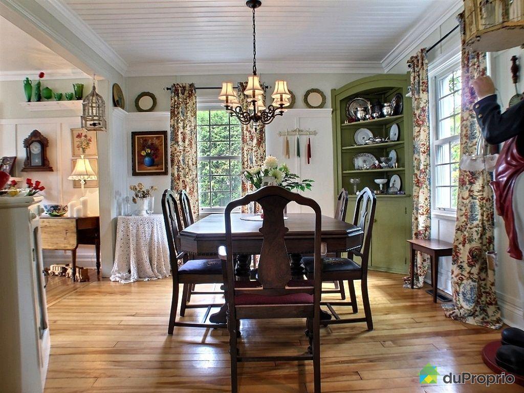 Maison de campagne hudson for Salle a manger antique quebec