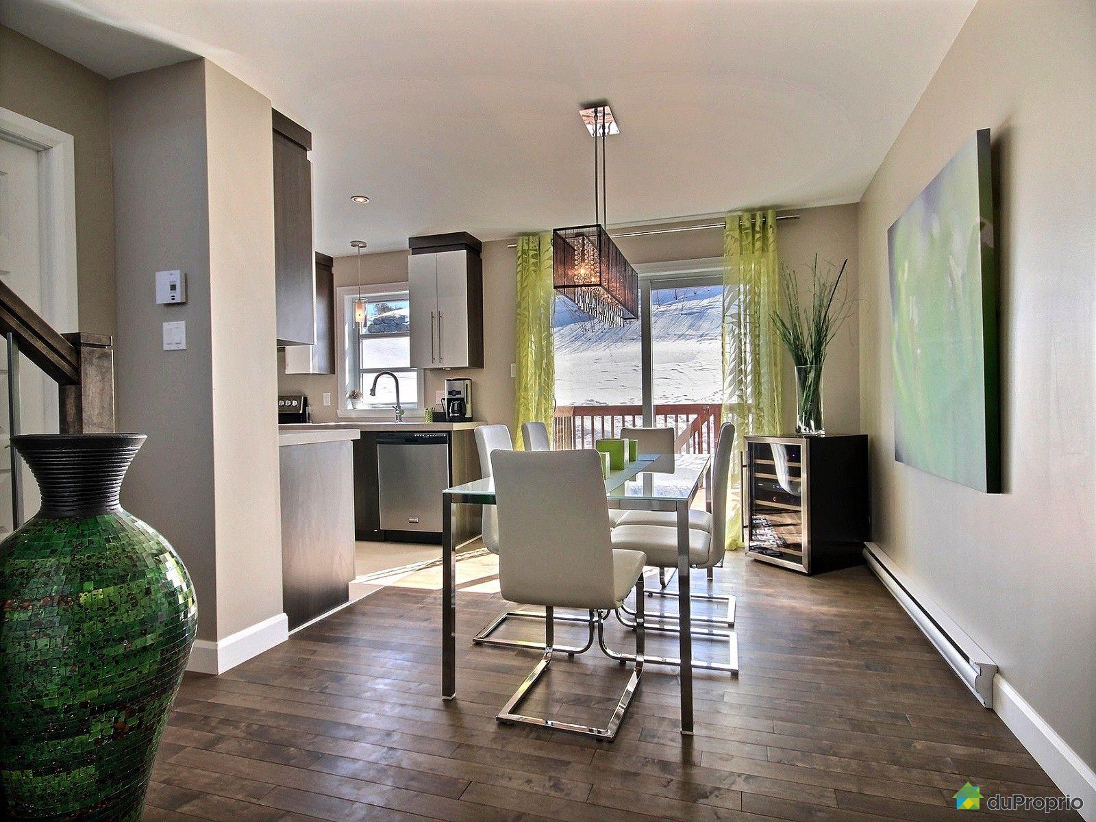 Maison vendre l vis 8536 rue du marie joseph for Salle a manger levi