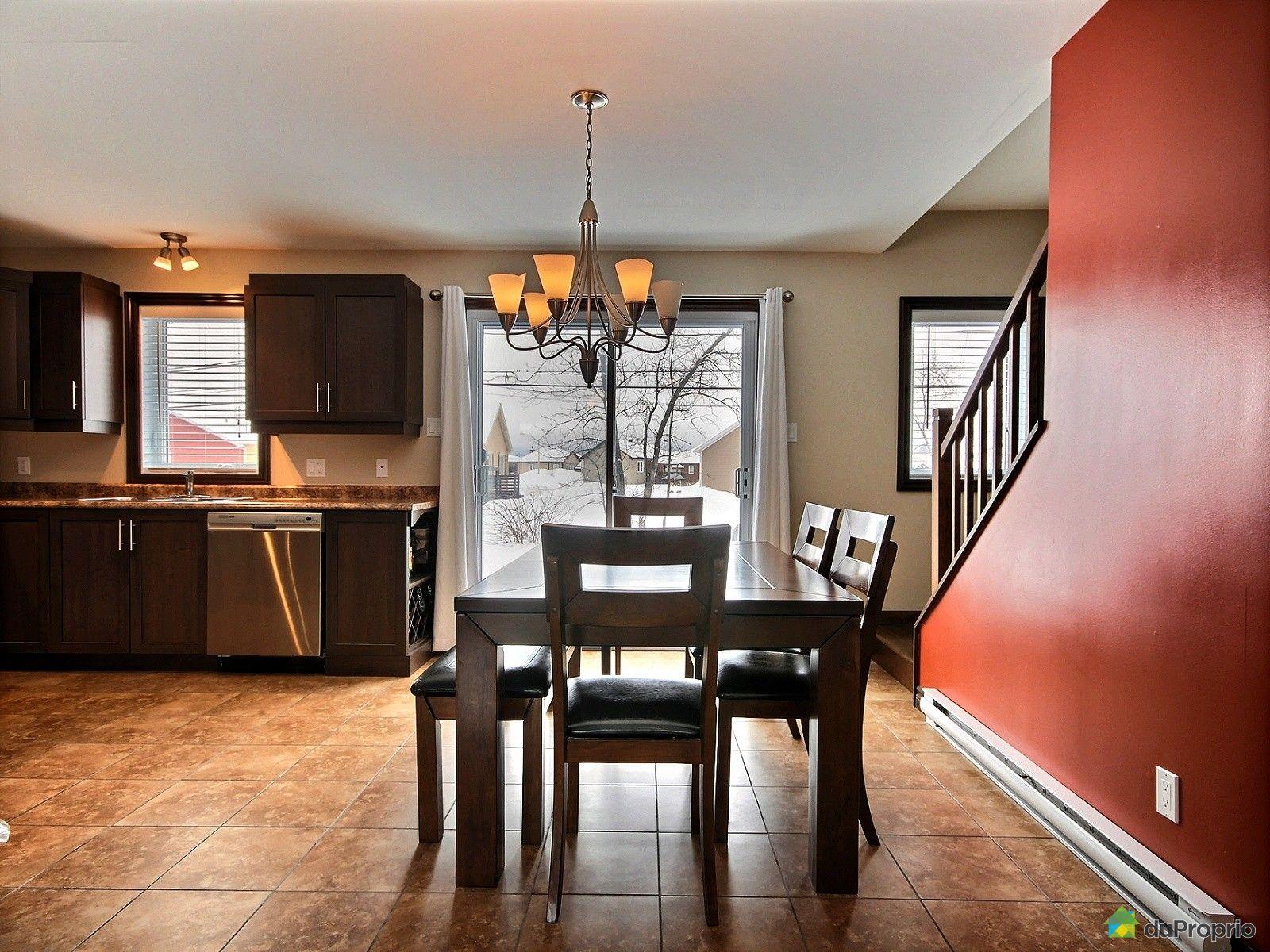 maison vendre rivi re du loup 5 rue des cheminots immobilier qu bec duproprio 690612. Black Bedroom Furniture Sets. Home Design Ideas