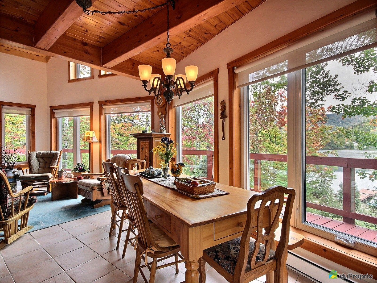 chalet vendre l 39 anse st jean 39 chemin des pins immobilier qu bec duproprio 581588. Black Bedroom Furniture Sets. Home Design Ideas