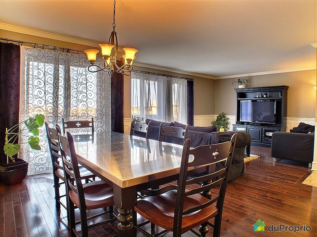 Condo vendu montr al immobilier qu bec duproprio 303753 for Salle a manger antique quebec