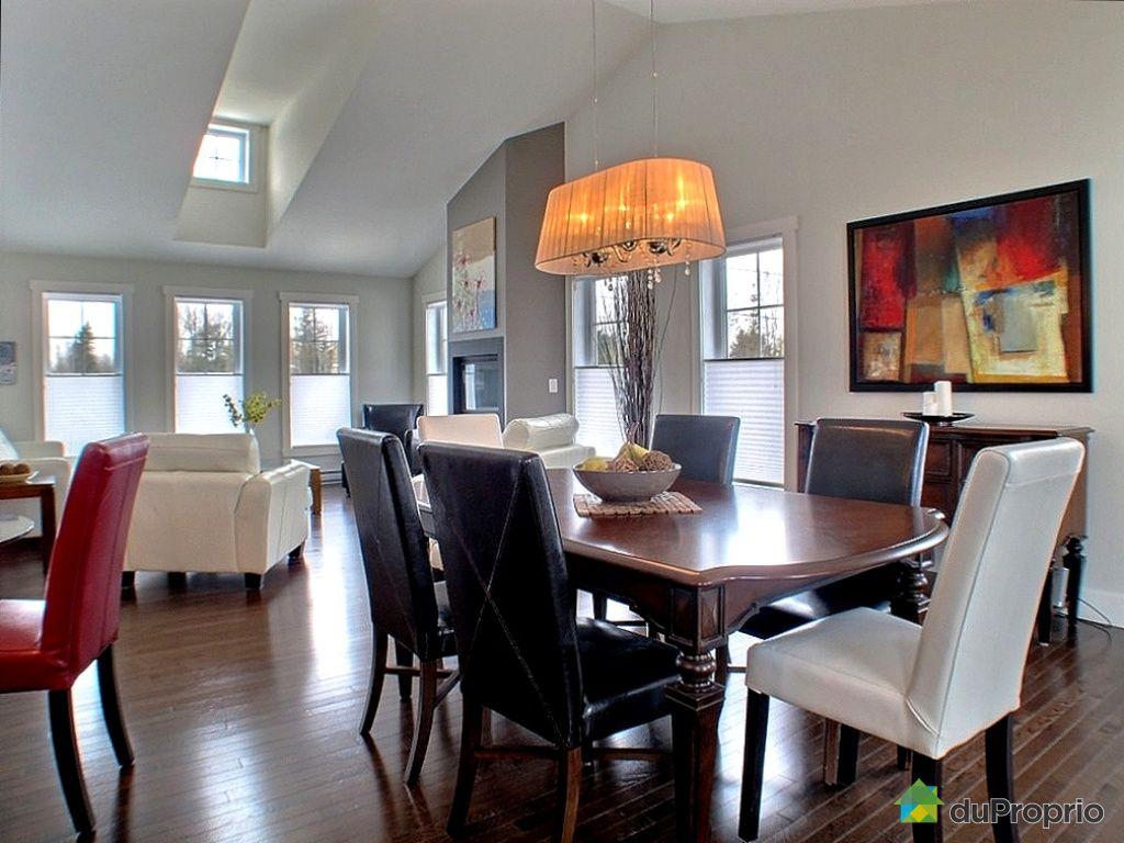 bungalow sur lev vendu sherbrooke immobilier qu bec duproprio 311630. Black Bedroom Furniture Sets. Home Design Ideas