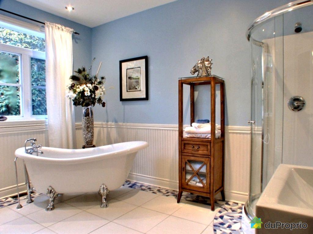Chalet vendre bolton est 43 chemin pinard immobilier for Salle de bain baignoire patte de lion