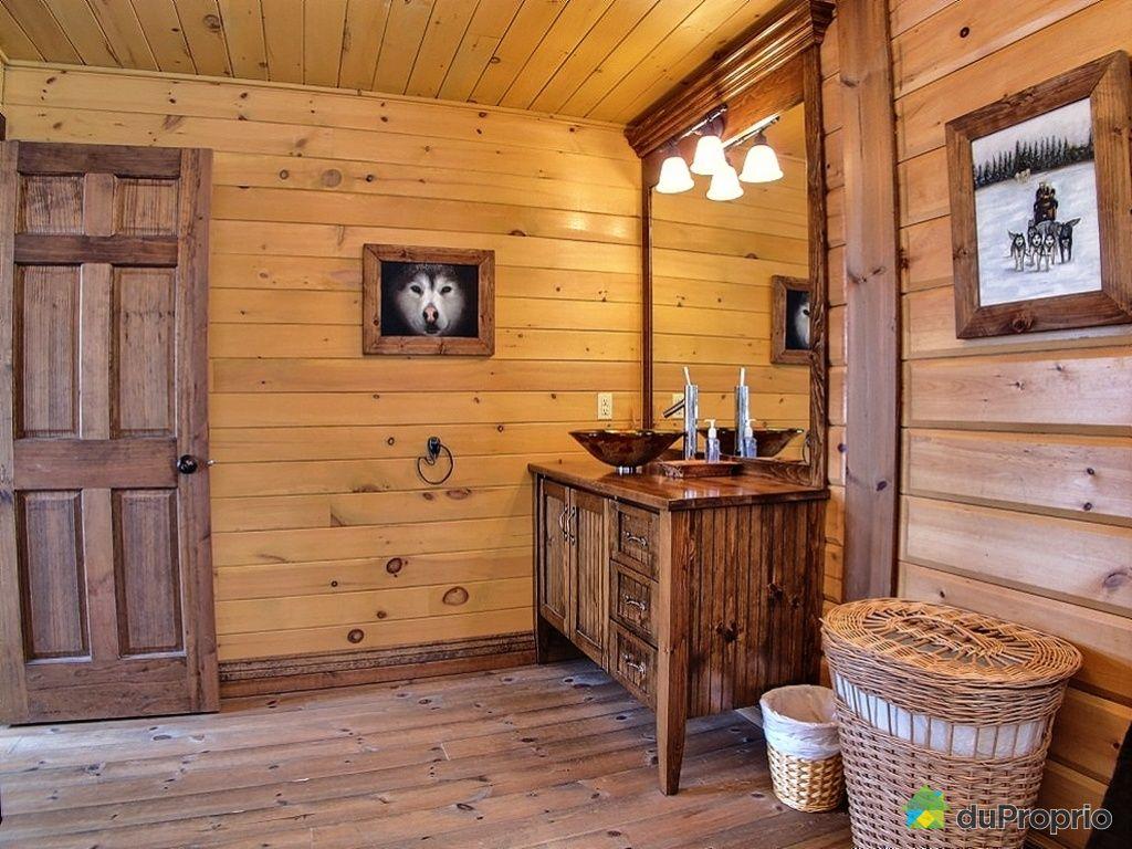 Chalet vendre st michel des saints 90 chemin du bois de marli immobilier qu bec duproprio for Chambre de bain rustique