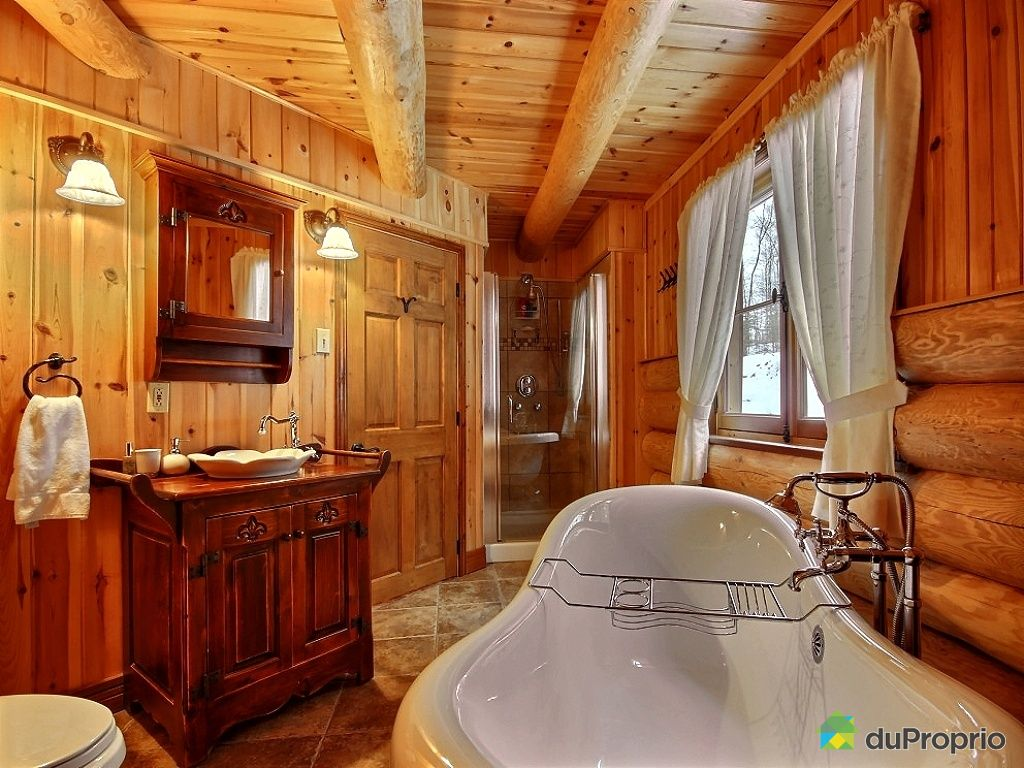 salle de bain chalet bois rond avec des id es int ressantes pour la conception de. Black Bedroom Furniture Sets. Home Design Ideas