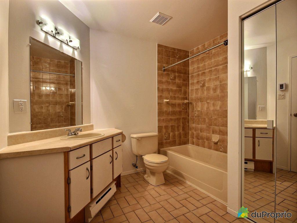 Condo vendre laval des rapides 28 1655 boulevard du for Salle de bain laval