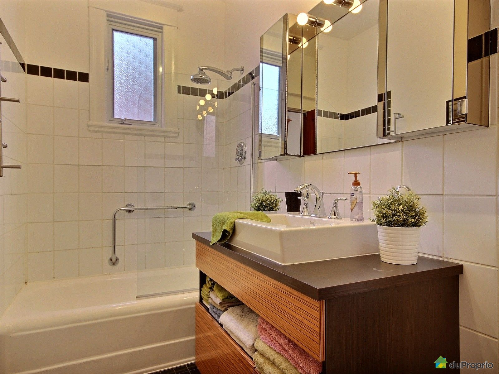 condo vendre montr al 2374 rue nicolet immobilier qu bec duproprio 696508. Black Bedroom Furniture Sets. Home Design Ideas